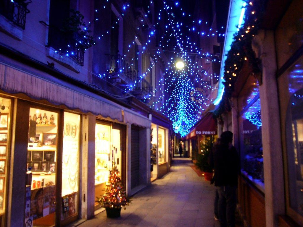 Come E Nata La Leggenda Di Babbo Natale.Turismo Venezia A Venezia San Nicola E La Leggenda Di Babbo
