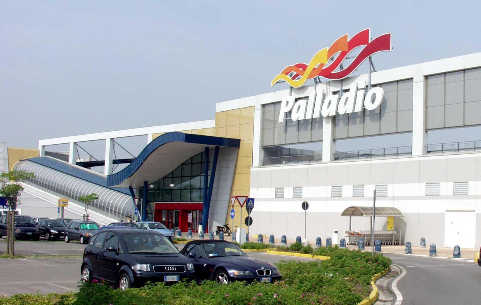 Struttura turistica centro commerciale palladio for Negozi arredamento vicenza